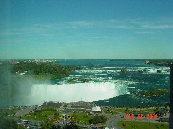 Embassy Suites by Hilton Niagara Falls Fallsview Hotel : View from our room (slight zoom)