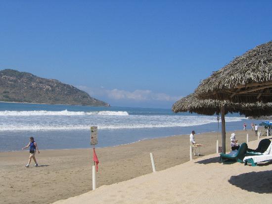 Hotel Playa Mazatlan : View of the Beach from Hotel