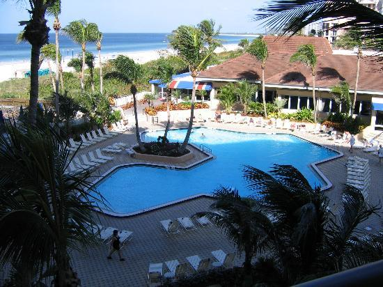 Hilton Marco Island Beach Resort: pool view room