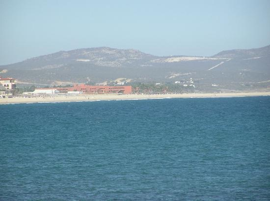Holiday Inn Resort Los Cabos All-Inclusive: Intercontinental from Zipper's Bar (45 minute walk on the beach)
