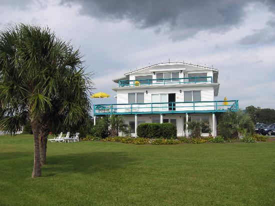 Emerald Isle, NC: view of inn from water