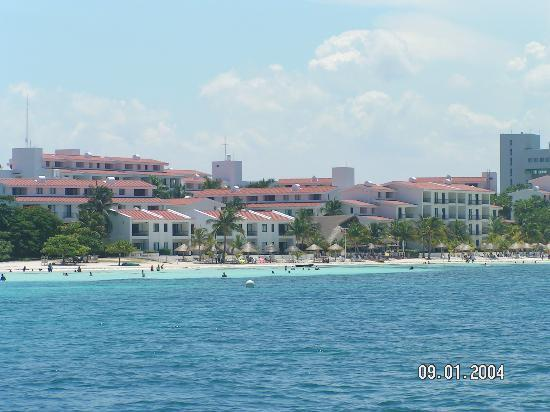 The Royal Cancun All Suites Resort : VCI from our Scuba dive boat