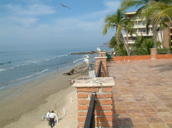 Hotel Playa Mazatlan : beach view from hotel