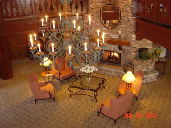 Lobby Of Royal Scandinavian Inn From 2nd Floor Balcony March 2003 Picture Of Hotel Corque Solvang Tripadvisor