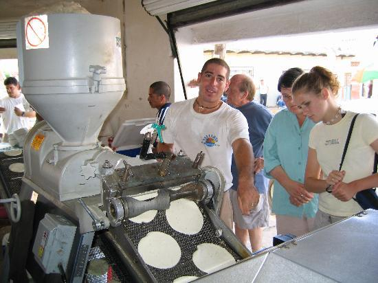 Mayan Palace Puerto Vallarta: Sierra Madre tour guide showing us how to make tortillas