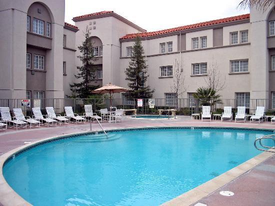 سان ماتيو ماريوت سان فرانسيسكو إيربورت: Pool Area