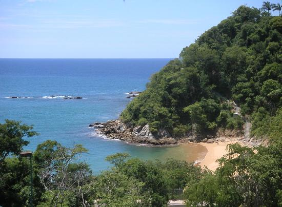 Agua Azul La Villa: view from the inn of Badger Bay