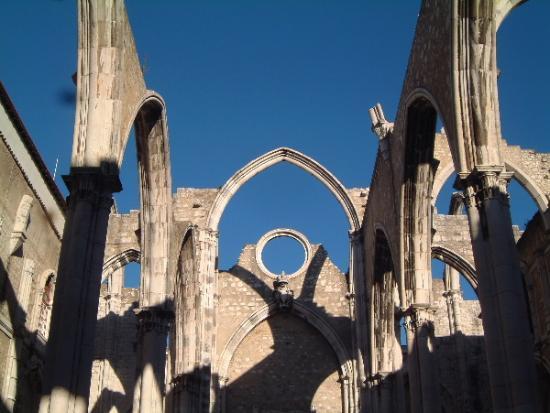 Hotel Lisboa Tejo: church ruin