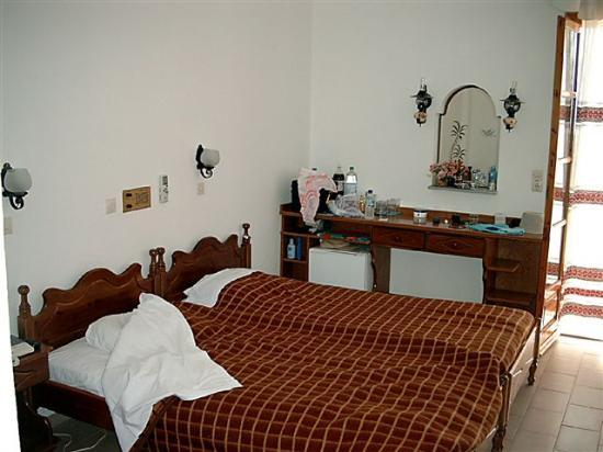 Armonia Hotel : inside room