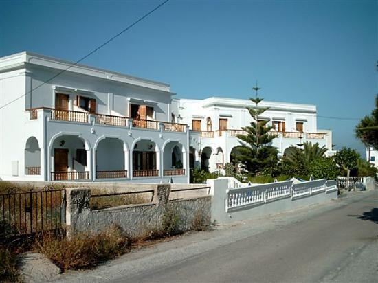 Armonia Hotel: outside