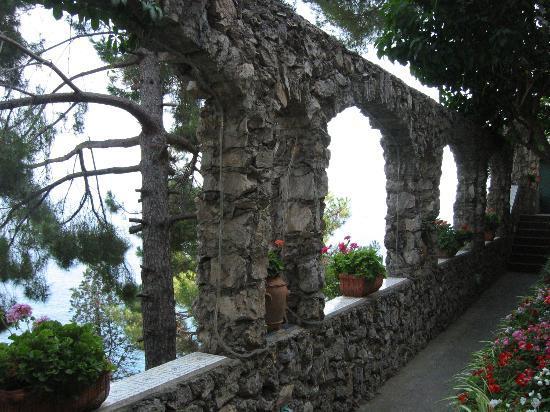 Villa San Michele : under the lemon trees
