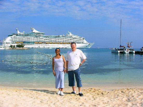 Sand Castles Resort: beach 100 yards from hotel