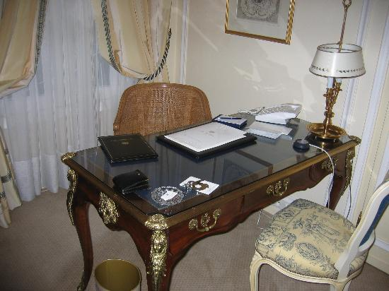 Le Bristol Paris: Everything for the workaholic - even a fax machine (out of view).