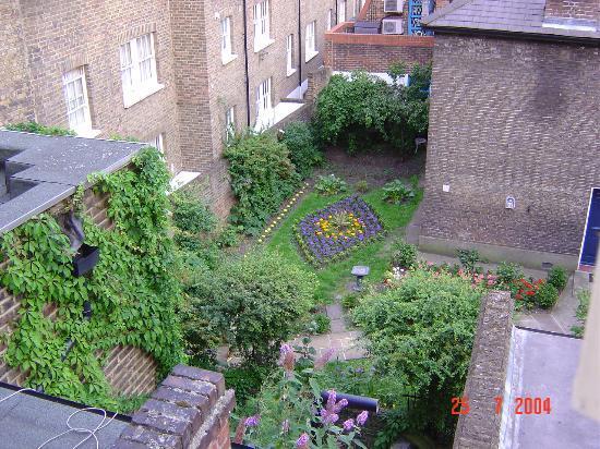 Berjaya Eden Park: View of church garden from hotel room