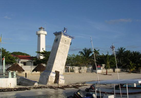 Posada Amor : Puerto Morelos - The light house - Old and New!
