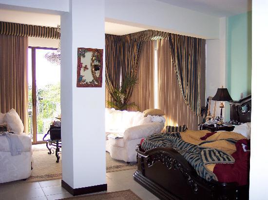 La Mansion Inn: deluxe suite