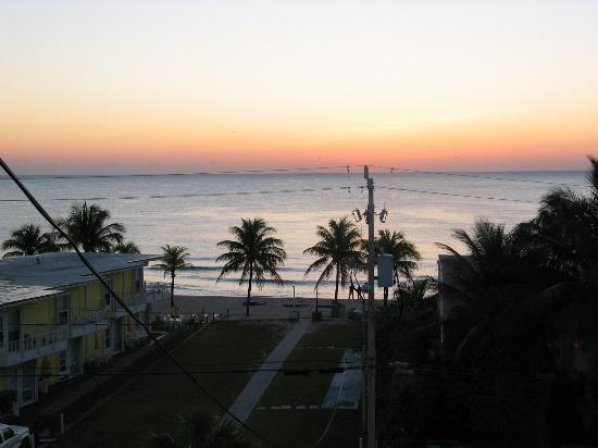 Lauderdale By The Sea Resort: View from Balcony (5th floor)