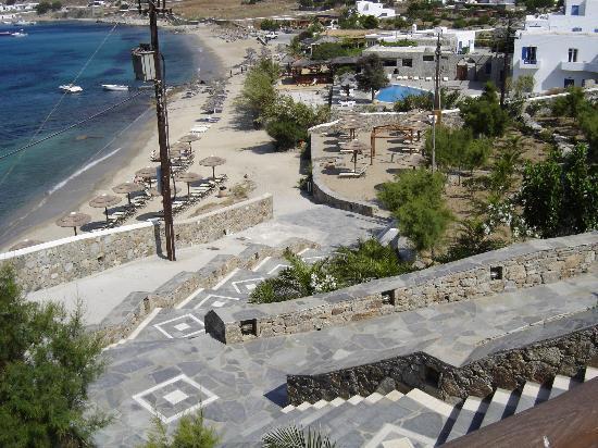 Mykonos Grand Hotel & Resort: View of Private Beach & Nearby Restaurants