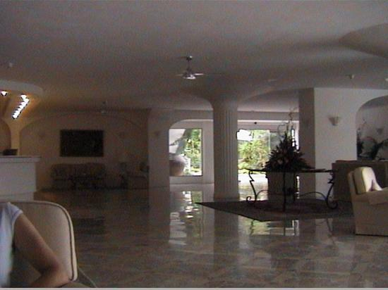 La Residenza: Reception area