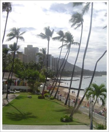 Moana Surfrider, A Westin Resort & Spa, Waikiki Beach: A view from our room
