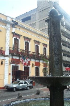 Hotel San Francisco Plaza front