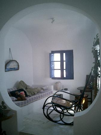 Altana Traditional Houses and Suites: the alcove area of the VIP suite