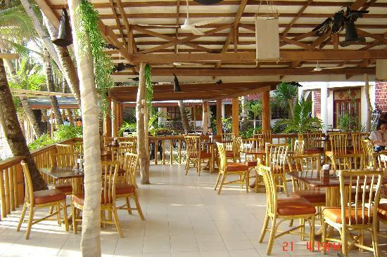 Willy's Beach Hotel: Dinning area