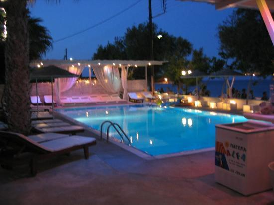 Bellonias Villas: the pool area at night