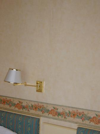 """Marsham Court Hotel: Wallpaper peeling off and light """"hanging by a thread""""!"""