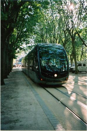 Hotel de L'Opera : the tram in Bordeaux