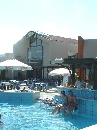 Minos Mare Hotel : Pool Area