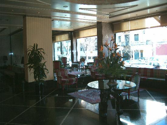 Hotel Real Parque: Hotel foyer