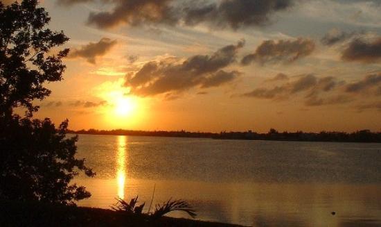 Solymar Cancun Beach Resort: sunset from the bus