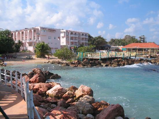 Franklyn D Resort & Spa: view from the middle pier