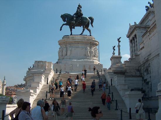Il Piccolo di Piazza di Spagna : The Roman Forum