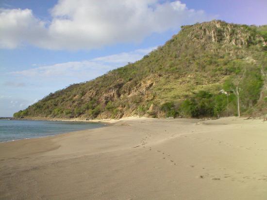 Montserrate: Rendezvous Beach