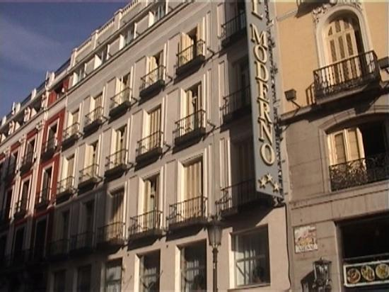 Foto de hotel moderno madrid the facade of hotel moderno for Hotel calle arenal madrid