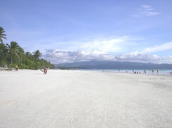 Sea Wind Boracay Island: The Beach