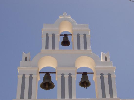 Porto Fira Suites: Top of a church in Fira
