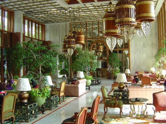 Mandarin Oriental, Bangkok: the stunning Lobby