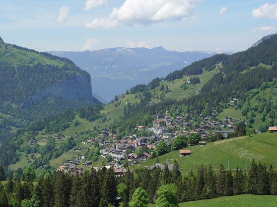 Hotel Falken Wengen: Wengen from rail trip to Jungfrau