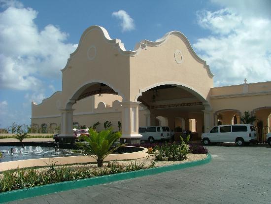 Excellence Riviera Cancun : enterance