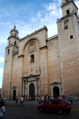 Hotel Medio Mundo: Cathedral-Centro Merida