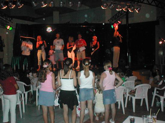 Fiesta Hotel Tanit: evening entertainment