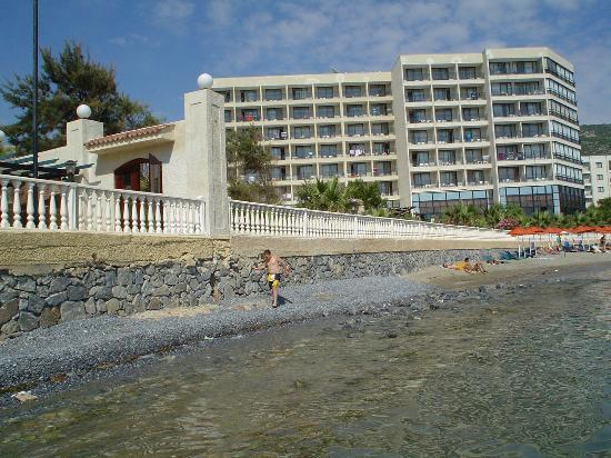 Tusan Beach Resort Hotel: the hotel from the beach