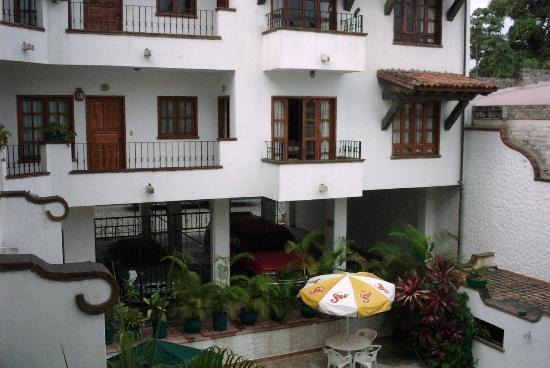 Estancia San Carlos: courtyard