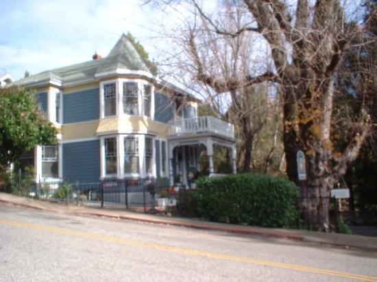 Nevada City, CA: Deer Creek Inn