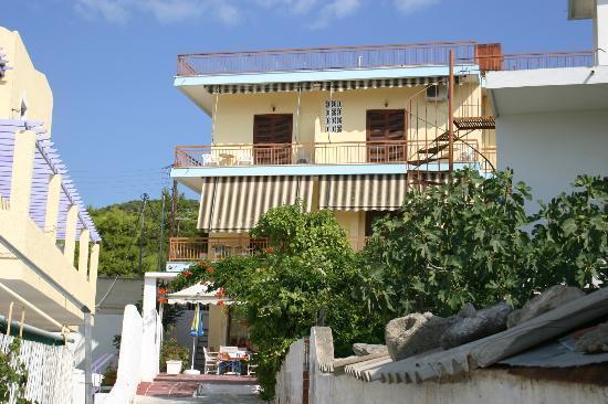 Hotel Karyatides