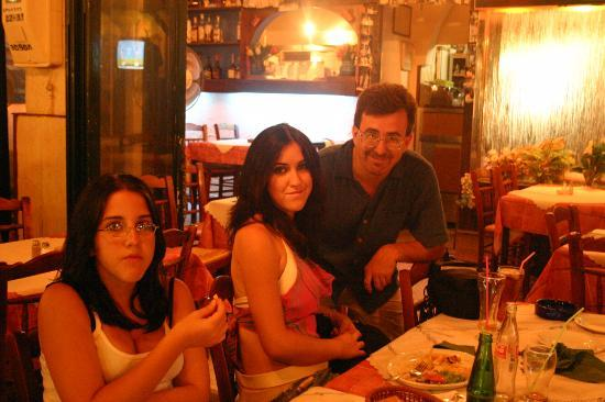 Hotel Karyatides: Dining Out