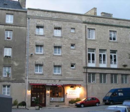 Hôtel du Palais : Front door